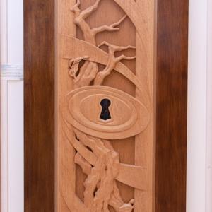 "Sculpture: ""The Key"" - 187 h x 75 x 10 cm - Wood ""okumé"""